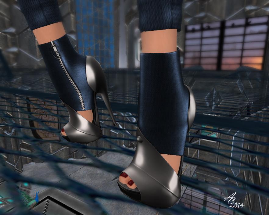 WW Cyber shoes Orton
