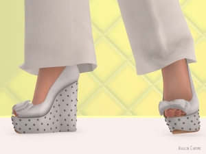 The adorable white Peep Toe Wedges by Reign come with Slink and Maitreya versions.